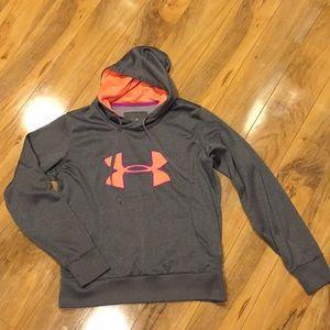 Size medium under armour storm hoodie